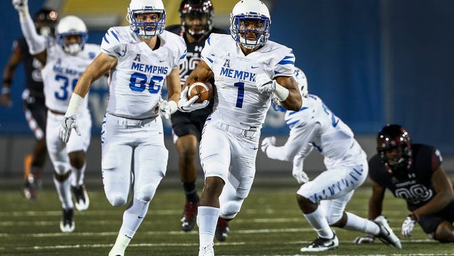 October 6, 2016 - University of Memphis kickoff returner Tony Pollard runs back a 95 yard kickoff return against Temple during a 34-27 victory  at Liberty Bowl Memorial Stadium. It was Memphis' first kickoff return for a touchdown since Nov. 9, 1996.