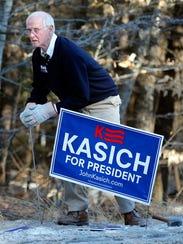 Former Sen. Gordon Humphrey posts signs for his choice,