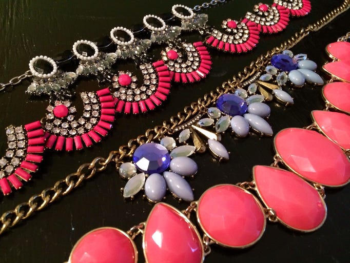 Statement necklaces can easily jazz up any outfit and