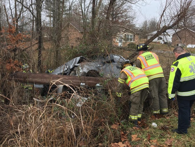 Crews respond to a single-vehicle wreck on Woodale