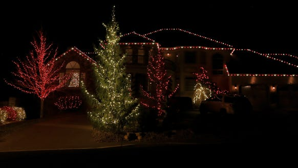 This elegant display is on Cobblecreek Drive's 90-degree