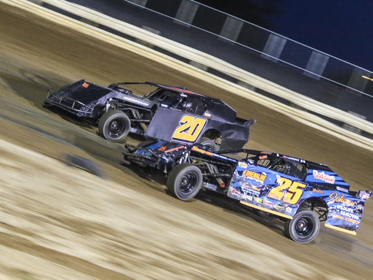2015 Professional Plating Inc. Sport Modified action.