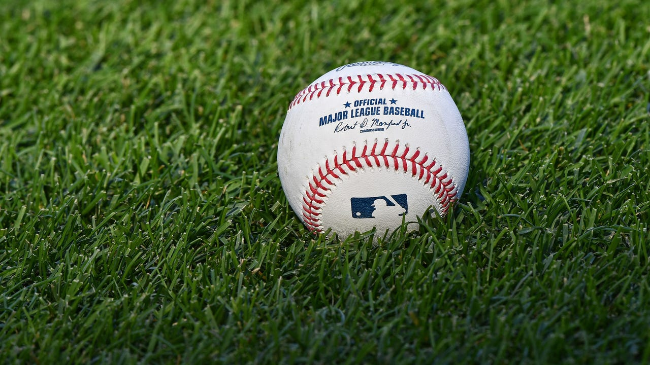 A new study by a Northwestern University neurobiologist shows the effects of jet lag on professional baseball players.