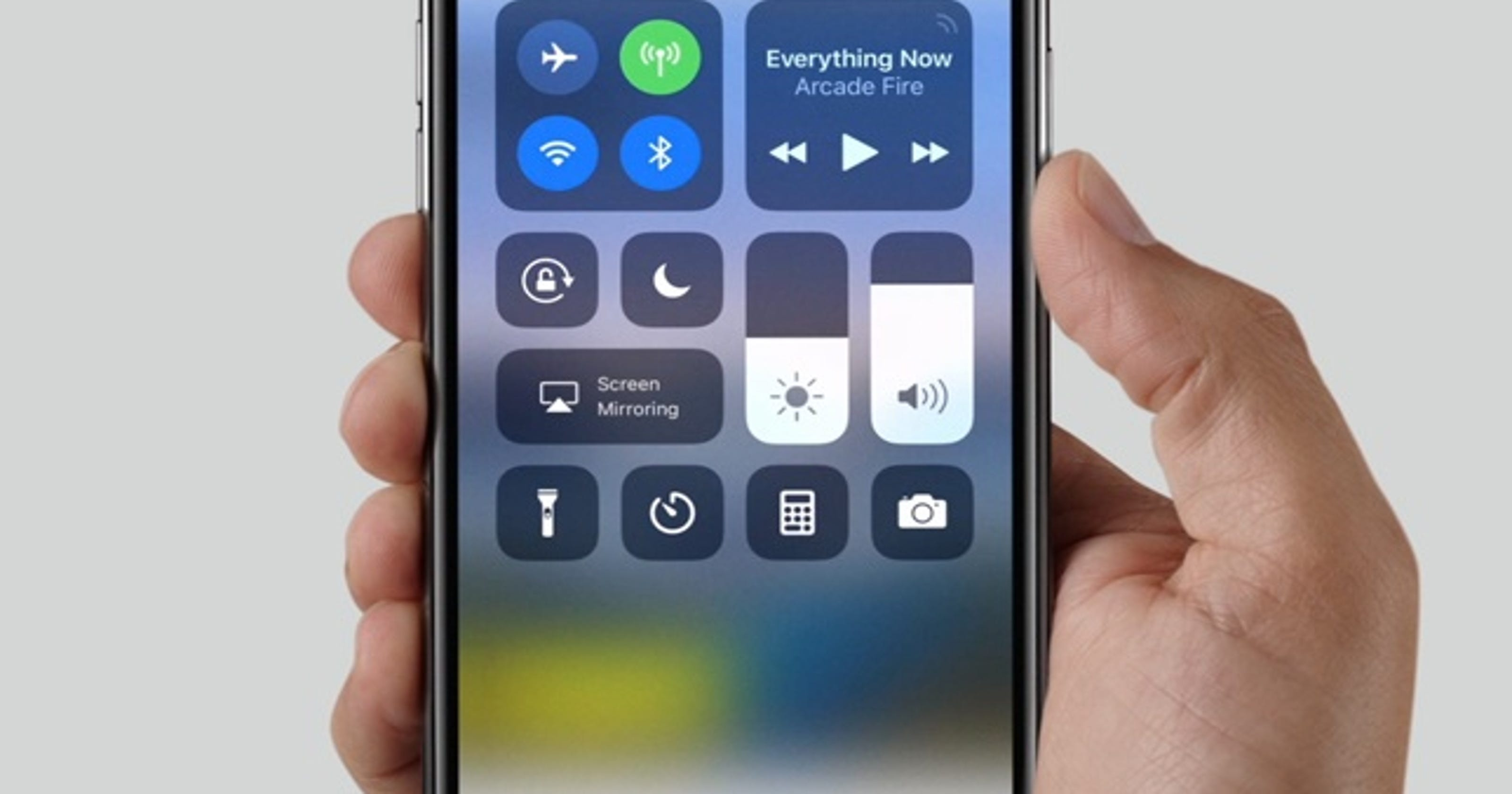Don't fall for the 'black dot' text on your iPhone