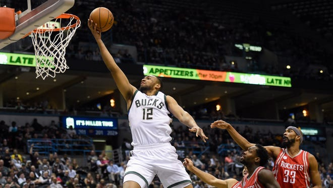 Jabari Parker was averaging 20.1 points and 6.2 rebounds a game before tearing his ACL  Feb. 4, 2017.