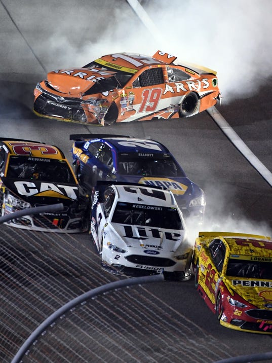 Carl Edwards crashes with NASCAR championship on the line