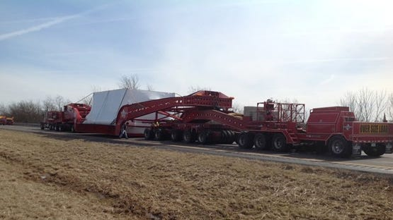 An oversize load traveling north today on Interstate 71/75 from Northern Kentucky to I-275 in Ohio could slow traffic.