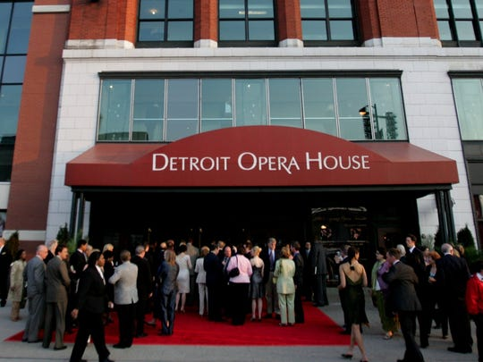 Crowds gathered to see Margaret Garner, the opera's world premiere on Saturday, May 07, 2005 in Detroit at the Detroit Opera House. RASHAUN RUCKER/Detroit Free Press