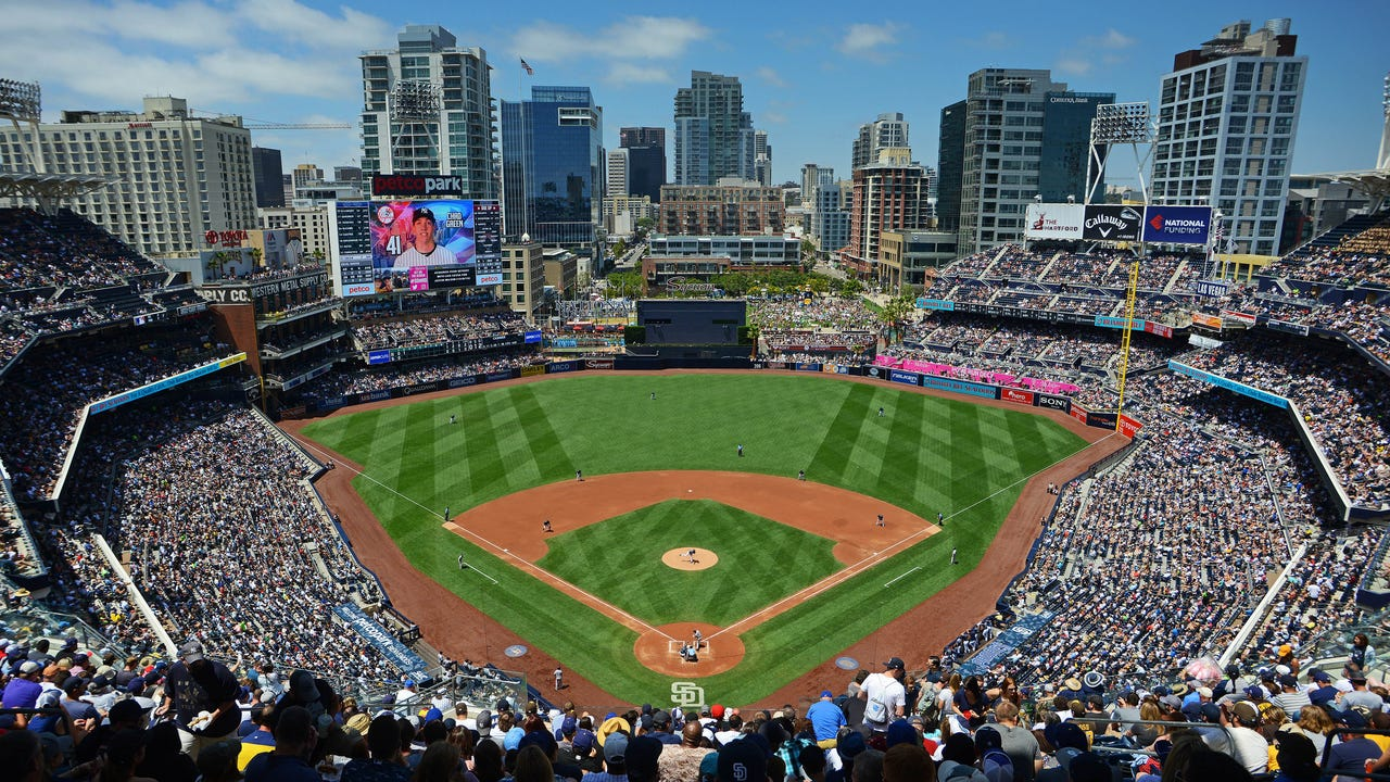 USA TODAY Sports' Gabe Lacques and Steve Gardner examine the story lines fans should keep an eye on leading up to the Summer Showcase in San Diego.