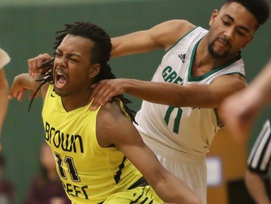 Greendale-Brown Deer Boys Basketball-Gentry