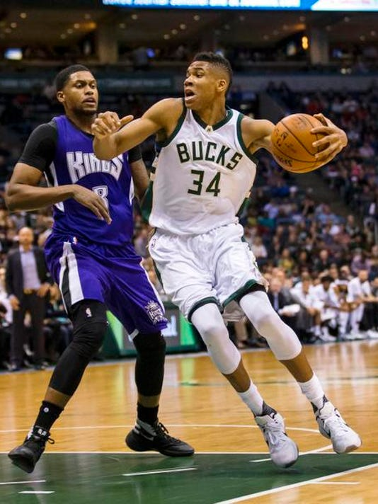 NBA: Sacramento Kings at Milwaukee Bucks