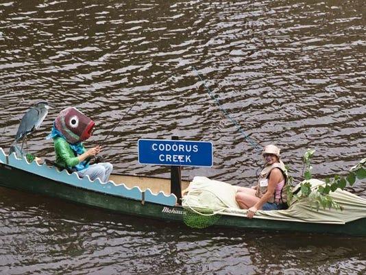 YDR-SUB-081816-boat-parade