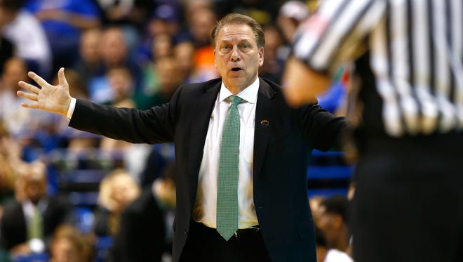 Head coach Tom Izzo of the Michigan State Spartans reacts in the second half against the Middle Tennessee Blue Raiders during the first round of the 2016 NCAA Men's Basketball Tournament at Scottrade Center on March 18, 2016 in St Louis, Missouri.