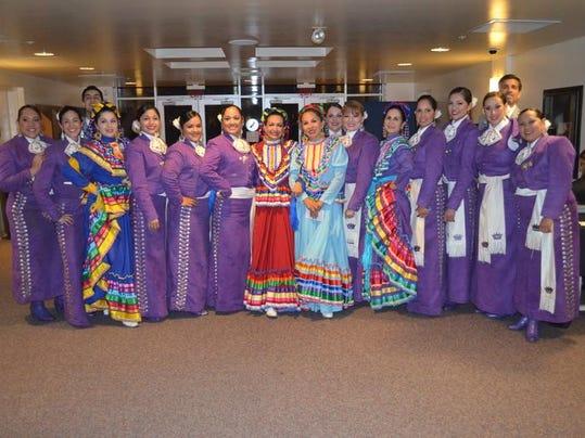 mariachi reyna de los angeles 2014.jpg