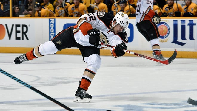 Shawn Horcoff of the Anaheim Ducks fires a shot against the Nashville Predators during Game 3 on April 19, 2016, in Nashville.