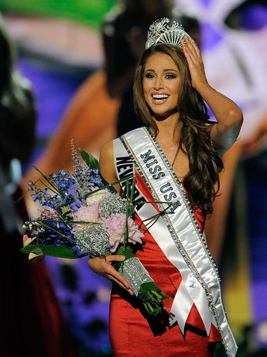 BATON ROUGE, LA - JUNE 08:  Miss Nevada Nia Sanchez is crowned Miss USA during the 2014 Miss USA Competition at The Baton Rouge River Center on June 8, 2014 in Baton Rouge, Louisiana.