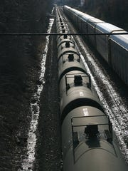 A train carrying Bakken crude on the CSX River Line idling in Teaneck in 2014.