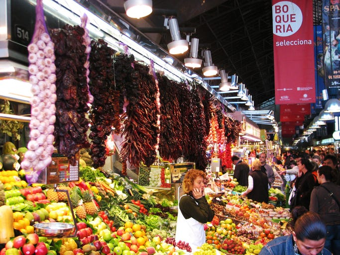 We ranked the 45 best markets around the world based on their critical acclaim, how reflective they are of the local region, and the importance of food and drink at the market. Whether you are looking for souvenirs to take home, a quick snack, or a full traditional meal, these markets offer a delicious taste of culture. 1. La Boqueria Market, Barcelona, Spain: This market is one of the most popular tourist attractions in Barcelona and one of the best-known markets in Europe. Located on the popular La Rambla boulevard, the large indoor market sells everything from fresh fruits and vegetables to seafood and spices.