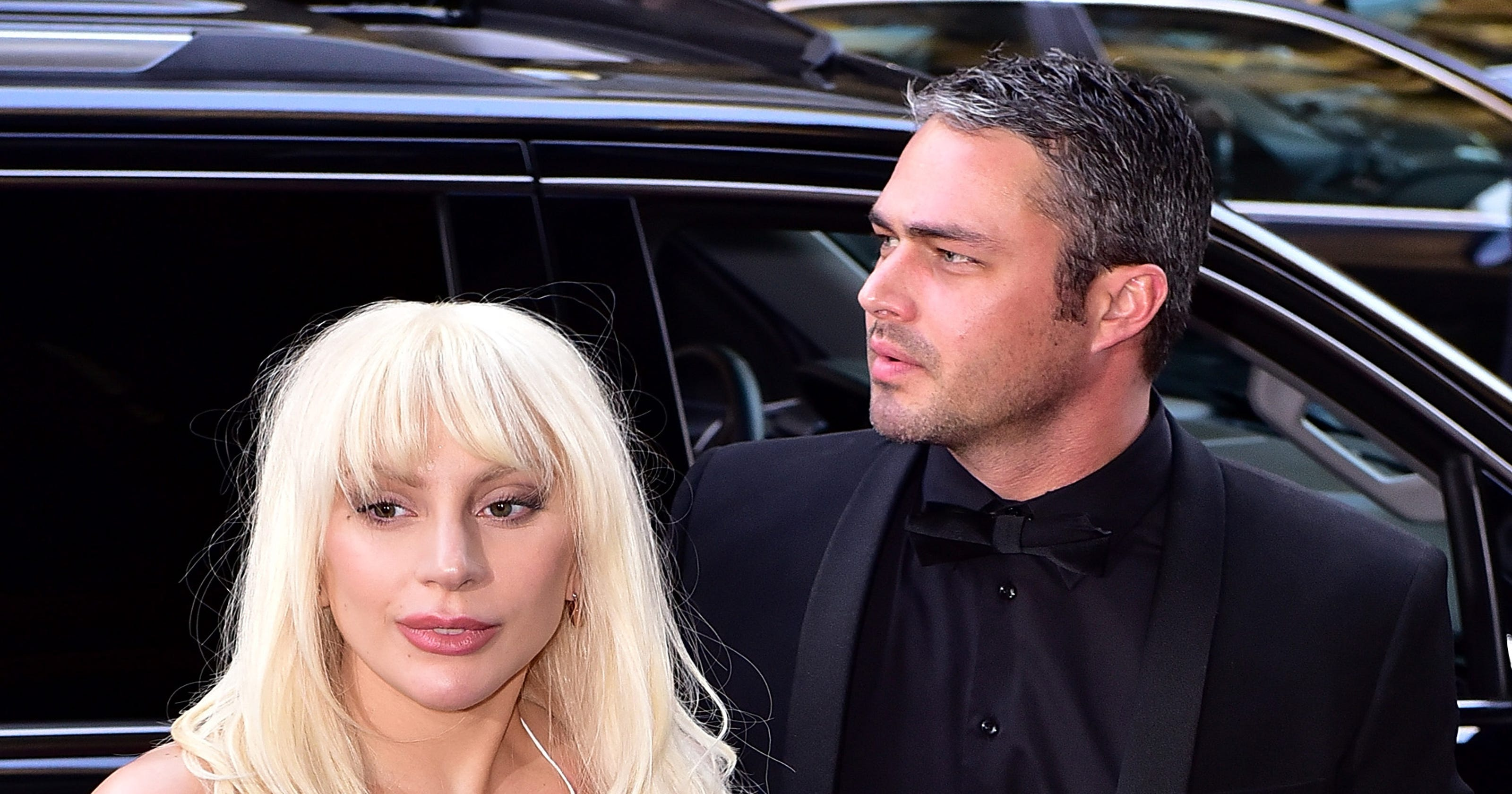 See Lady Gaga and Taylor Kinneys nude, paint-spattered V