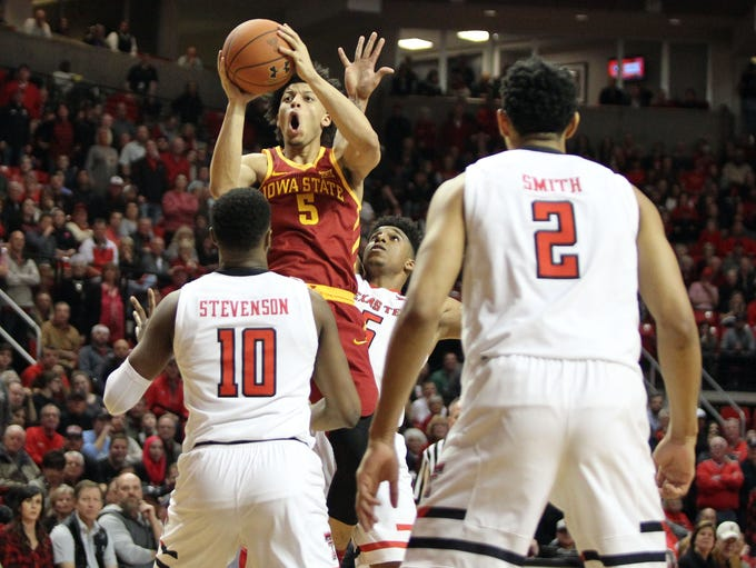 Iowa State Cyclones guard Lindell Wigginton (5) shoots