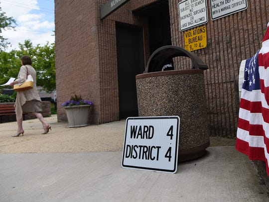 Primary voting in held at the Englewood Municipal Court
