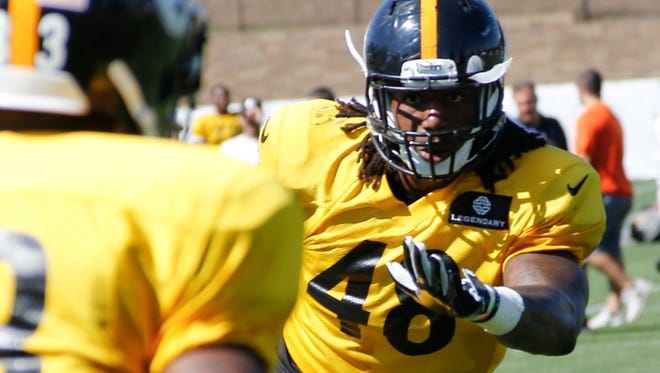 Pittsburgh Steelers linebacker Bud Dupree (48) practices during NFL football training camp in Latrobe, Pa. on Thursday, July 30, 2015 . (AP Photo/Keith Srakocic)