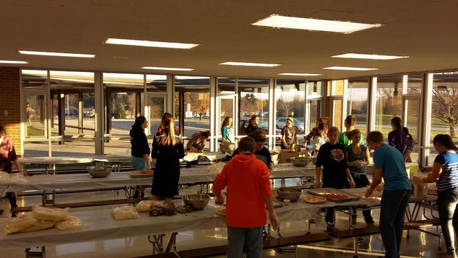The Kiel FFA Chapter made pizzas to sell to community members to raise money for the chapter.