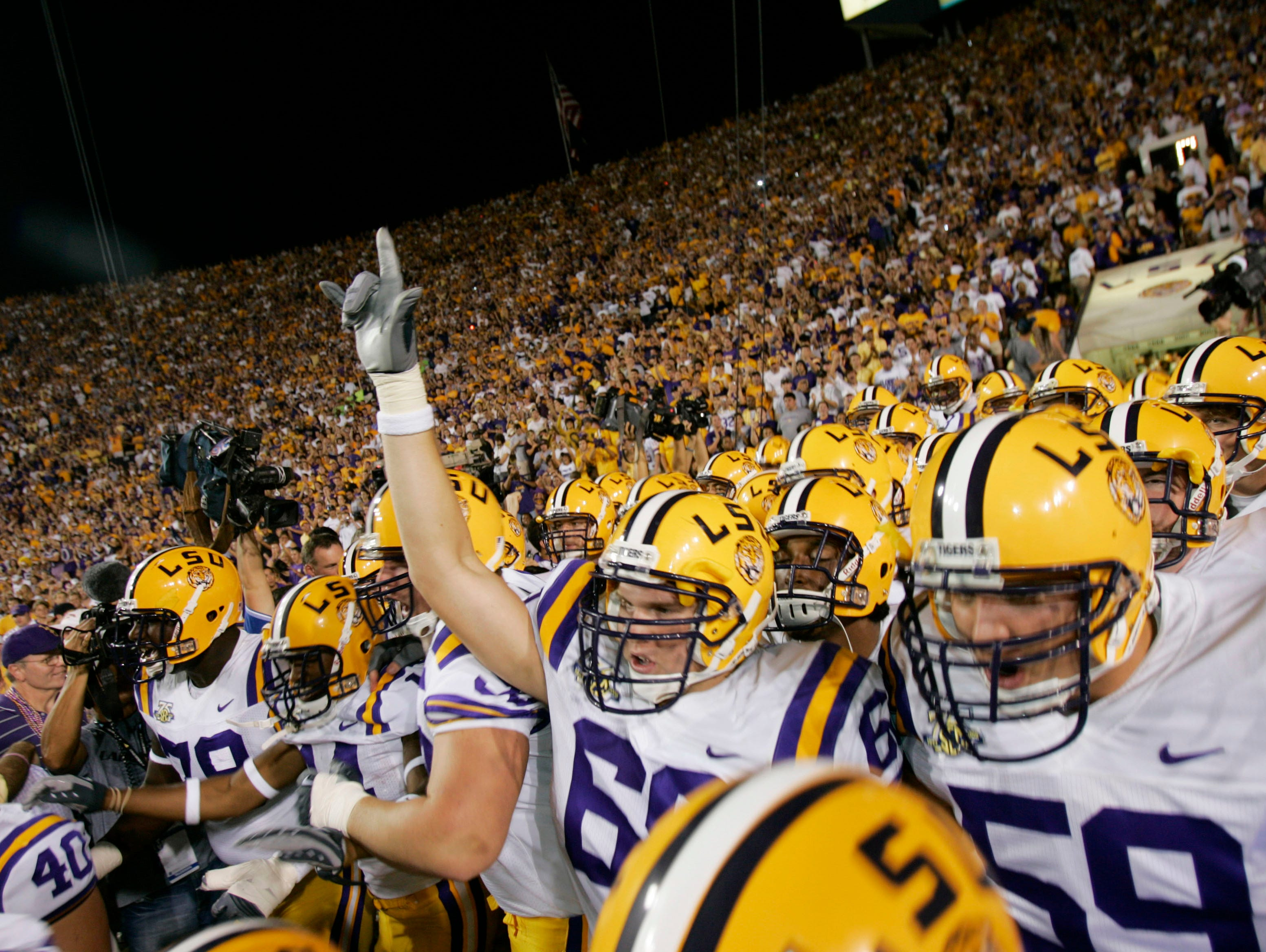 The LSU Tigers' 2016 football schedule is set.