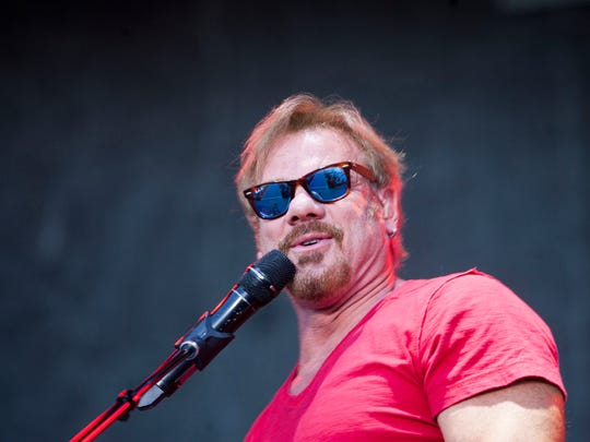 Phil Vassar will headline this year's Christmas 4 Kids benefit concert at the Ryman Auditorium.
