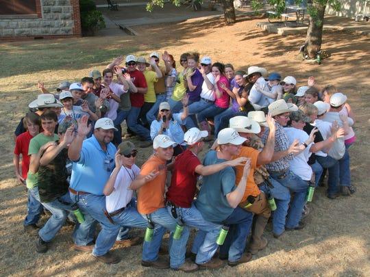 Melissa Sturdivant teaches about habitat needs using