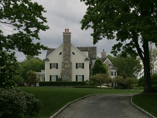 The Franklin Lakes home on Old Mill Road that is owned by Phil Simms.