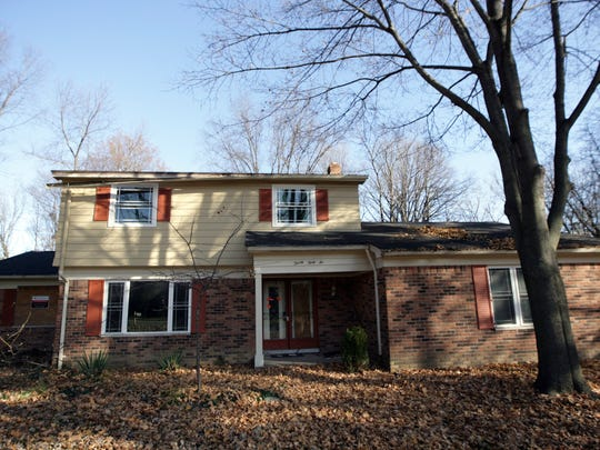 This is an exterior view at the home in Rochester Hills on Tuesday, November, 17, 2009.