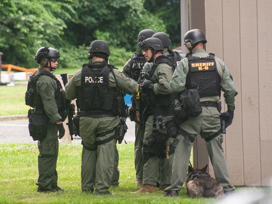 Middletown police prepare and wait in a hostage situation