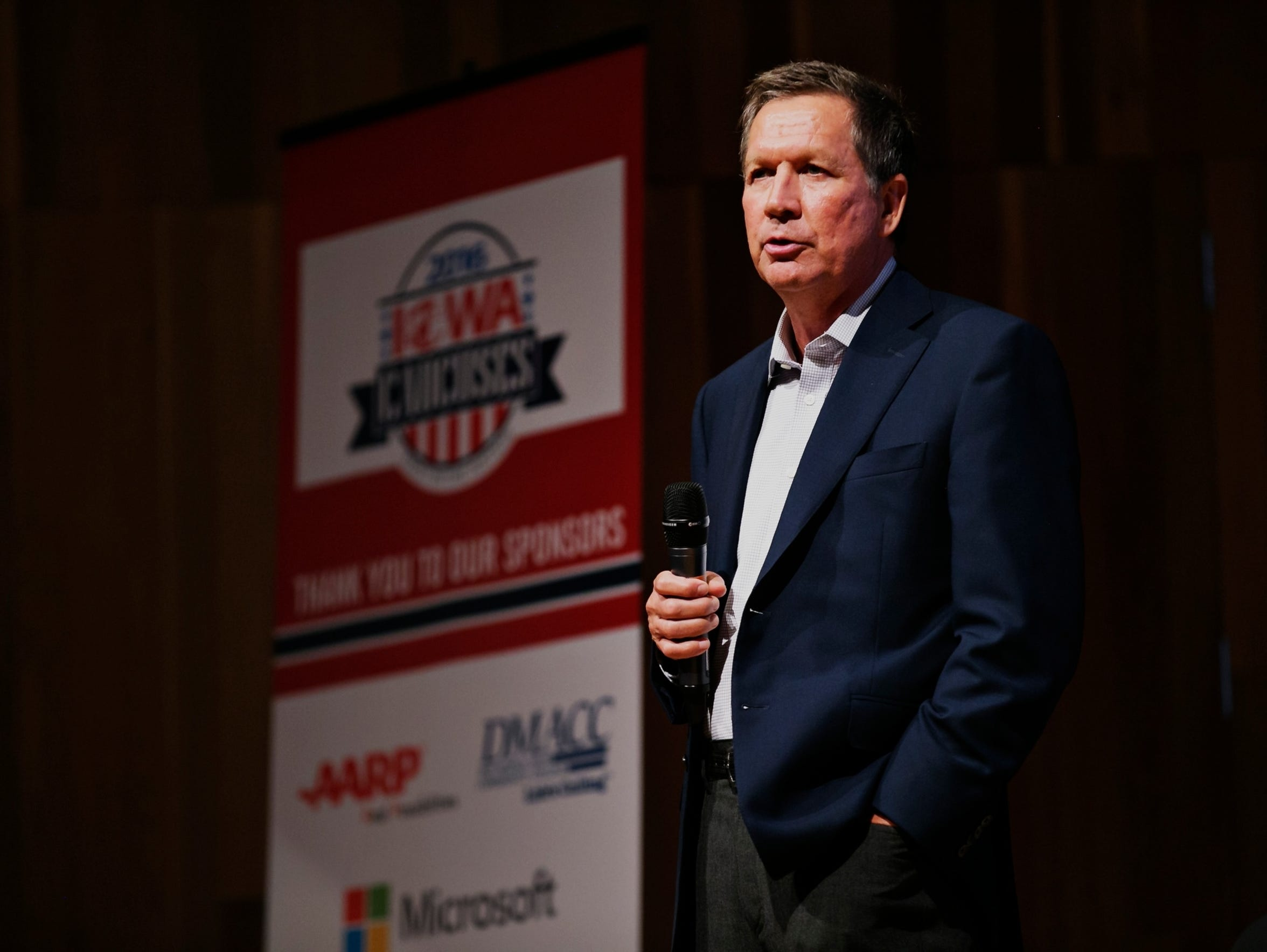 Ohio Governor John Kasich speaks during the 2016 Iowa