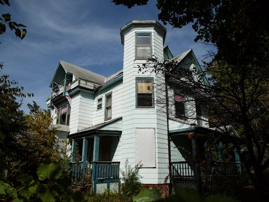 The house at 1720 7th Street is the endangered buildings list put out by the Des Moines Rehabbers Club in Des Moines on Saturday, October 10, 2015.