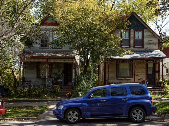 The pair of houses at 845 and 847 17th St. are on the endangered buildings list put out by the Des Moines Rehabbers Club in Des Moines on Saturday, October 10, 2015.
