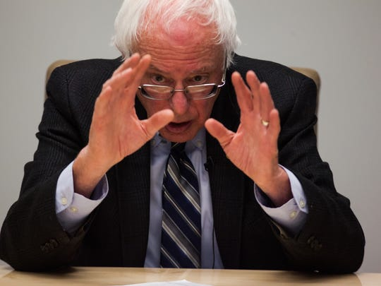 GESTURE CHAMPION: Democratic presidential candidate Bernie Sanders talks with The Des Moines Register editorial board on Thursday, December 31, 2015, in Des Moines.