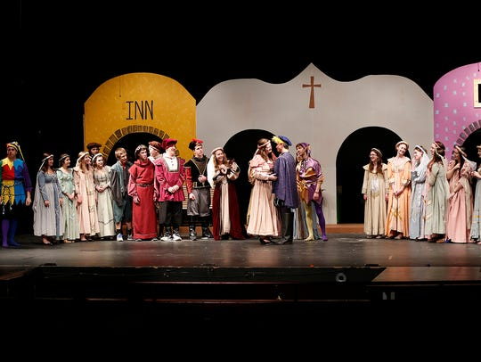 "The St. Mary's Springs' cast of ""Kiss Me, Kate"" watch"