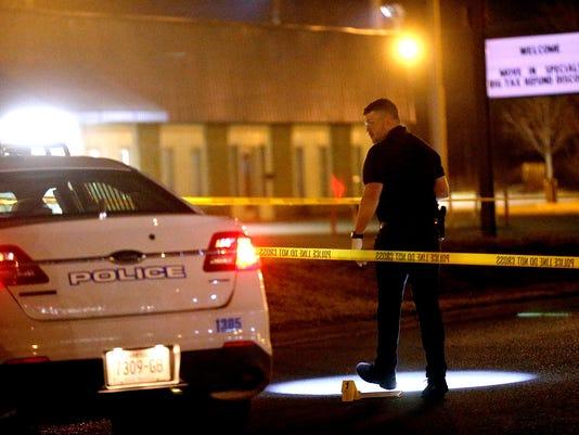635929058010897664-002-Police-shooting.jpg