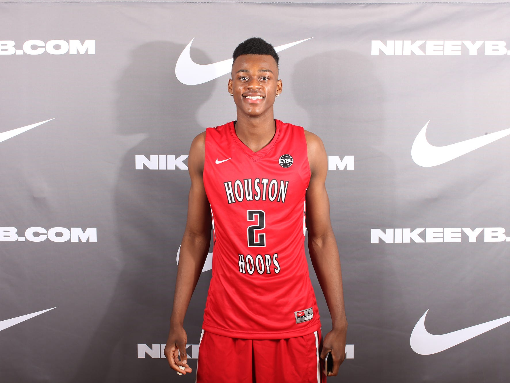 Jarred Vanderbilt is a five-star forward in the Class of 2017. He's a Kentucky target and former AAU teammate of incoming Wildcats point guard De'Aaron Fox.