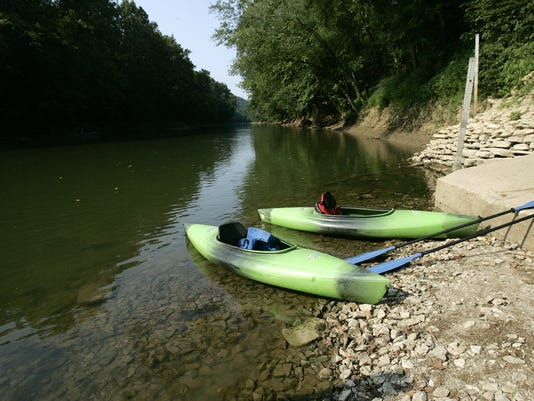 Title:  GREEN RIVER CANOES