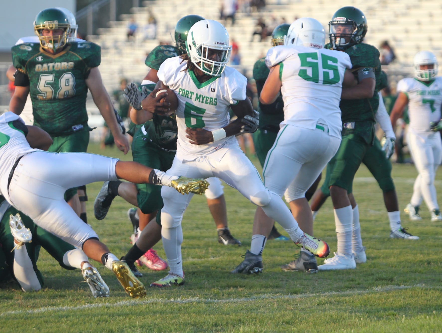 Darrian Felix and Fort Myers are among the favorites to win a Region 6A-3 title this season. The Green Wave opens at Palmetto Friday.