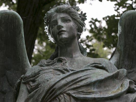 636001362070644669-Council-Bluffs-Statue-Wils-2-.jpg