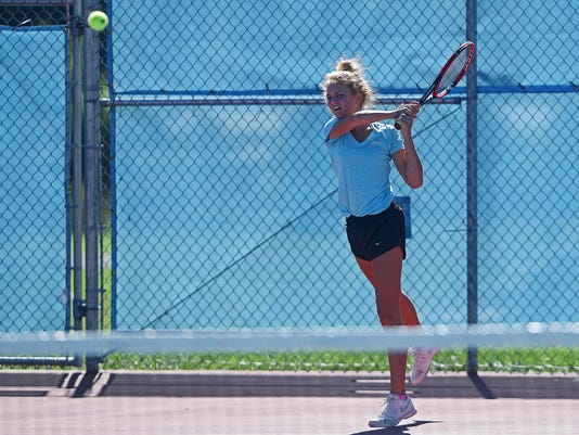 Lincoln-St. Thomas More Tennis