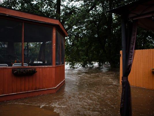 636101781906062697-20160922-bp-flooding-19.jpg