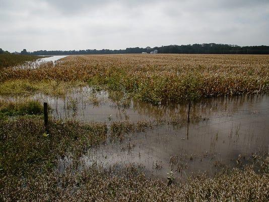 636105752351140415-floodedfields-04.jpg