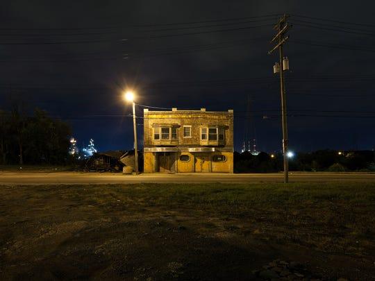 "Scott Hocking's photograph ""Jefferson at Dearborn"""