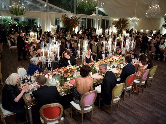 The President and Mrs. Obama chat with the Prime Minister, Mrs. Landini and guests at the head table.