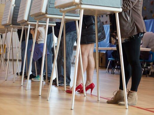 636142336985815751-Macomb-County-Voting-110816.JPG