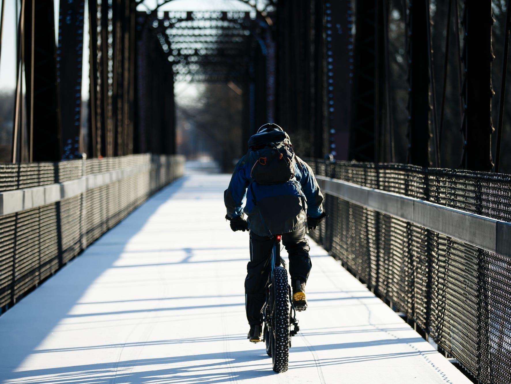 Qkurt Cycling Skull Cap Thermal Winter Helmet Liner Under Helmet Hats Perfect for Motorcycle Skiing Running Walking Cycling